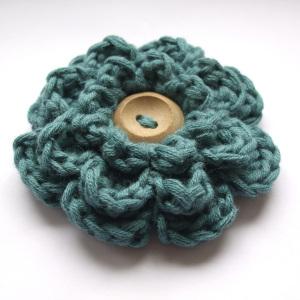 Flor crochet con boton