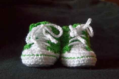 Zapatillas converse de crochet para bebé