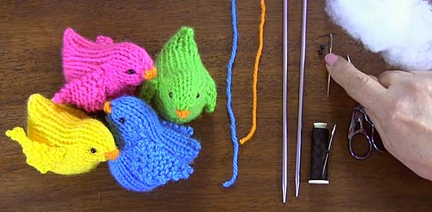 Cómo tejer pajaritos a crochet en dos agujas