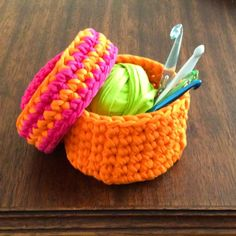 Canasta tejida en trapillo con crochet XL