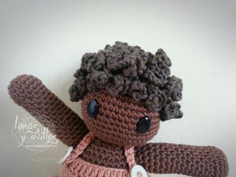Cabello rizado muñeca amigurumi
