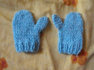 Manopla de bebé a crochet