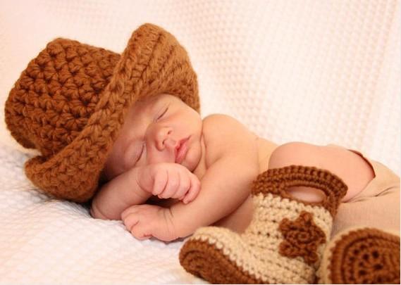 Botas cowboy a crochet para bebés  01b5edba168